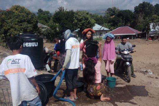 ACT NTB mendistribusikan air bersih ke daerah kekeringan