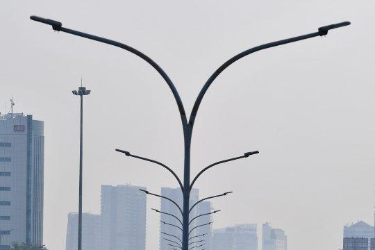 Hujan lokal diprakirakan terjadi di beberapa wilayah Jakarta