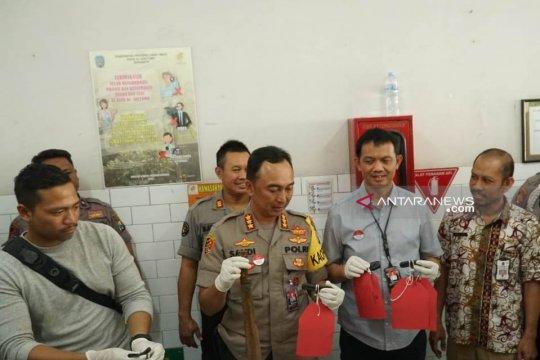 Polisi tembak mati buron bandit motor di Surabaya