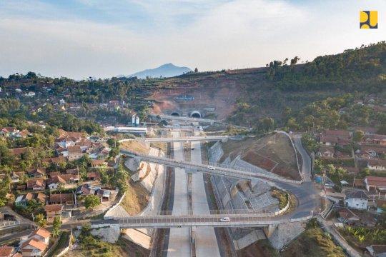 Tol Cisumdawu ditargetkan rampung 2020, dukung akses Bandara Kertajati