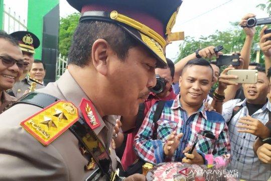 Kapolda Sumut dapat kejutan dari wartawan