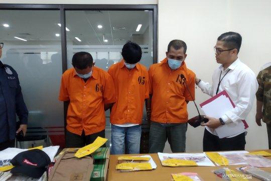 Polisi tangkap tiga tersangka perdagangan ilegal satwa langka