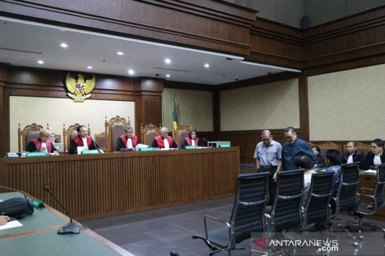 Empat anggota DPRD Kalteng divonis 5 dan 4 tahun penjara