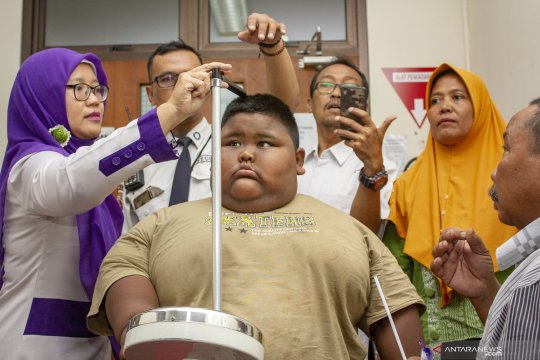Bocah penderita obesitas seberat satu kuintal mendapatkan penanganan medis