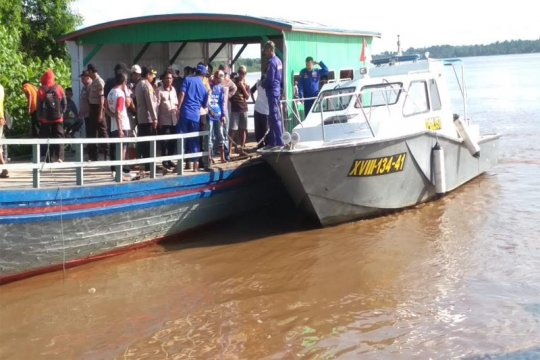 Tiga penumpang hilang akibat mobil tercebur ke sungai di Kalteng