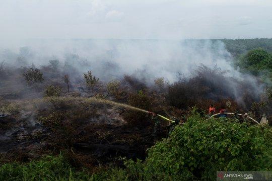 Pemadaman kebakaran lahan gambut di Nagan Raya Aceh