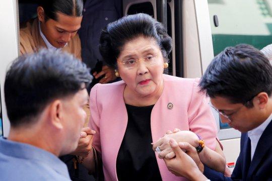 Ratusan orang keracunan saat perayaan ulang tahun Imelda Marcos