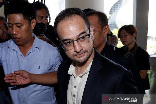 Malaysia hentikan  kasus 1MDB libatkan anak tiri Najib Razak