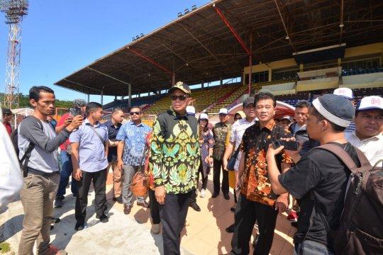 Gubernur dan KPK tinjau stadion Barombong dan Mattoanging