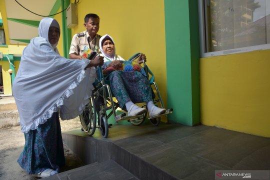 Terpisah lima hari, akhirnya pasangan calhaj lansia bertemu di Mekkah