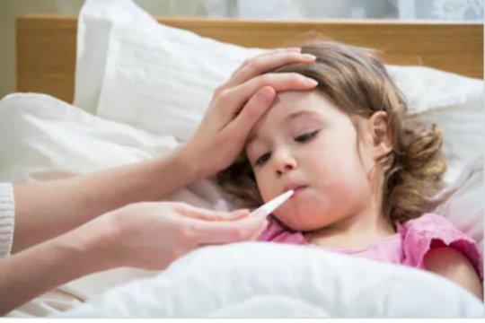 Alasan anak-anak mudah terkena flu dan cara mencegahnya