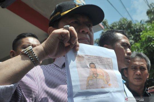 Petugas Rutan Palembang sebar empat foto tahanan kabur