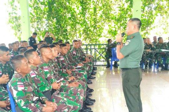Satgas pengamanan perbatasan Yonif 713/Satyatama ikuti pembekalan