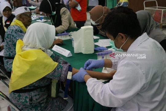Jamaah calon haji Pacitan jalani tes Hepatitis A