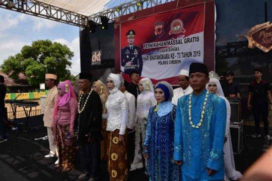 34 pasangan ikuti nikah masal di Polres Cirebon