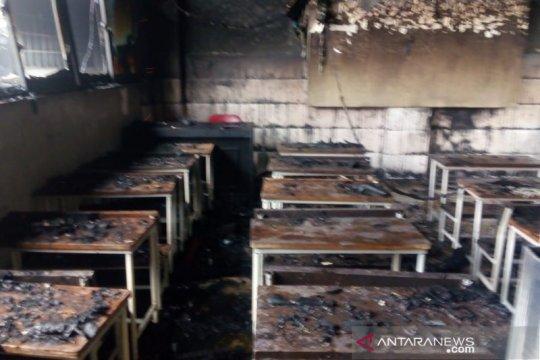 Musim Kemarau Damkar Jakbar ajak masyarakat cegah kebakaran