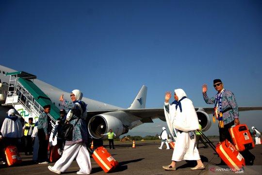 Keberangkatan jamaah Kloter 19 Makassar ke Tanah Suci tertunda