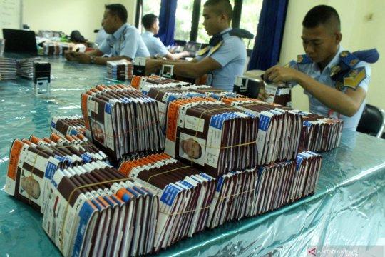 Riau kembalikan 5.008 paspor pada jamaah