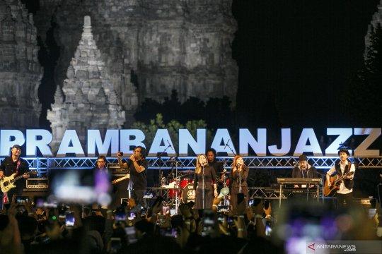 Penampilan Ari Lasso di ajang Prambanan Jazz Festival 2019