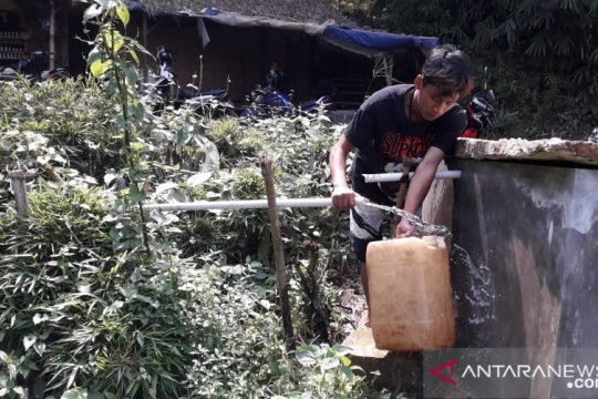 Pipanisasi solusi hadapi kekeringan di Sukabumi