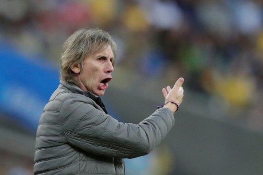 Pelatih Peru tak mau pindah ke lain hati