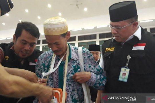 Tiga calon jemaah haji Embarkasi Pondok Gede tunda keberangkatan