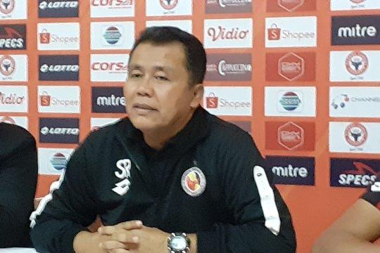 Pelatih Semen Padang Syafrianto Rusli mundur