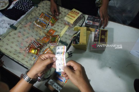 PPIH bongkar 76 koper milik calon haji Bangkalan