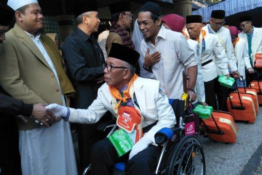 Wali Kota Mataram lepas 450 calon haji kloter tiga