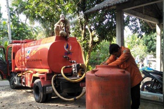 Atasi kekeringan di Banyumas, ratusan ribu liter air didistribusikan
