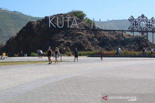 Menikmati tradisi Lombok tengah hingga pesona pasir Kuta Mandalika