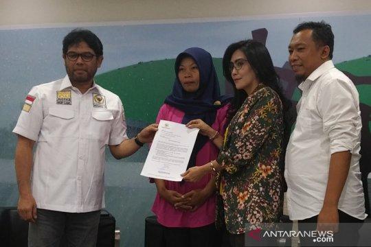 Rieke titipkan surat jaminan untuk Baiq Nuril kepada Anggota DPR RI