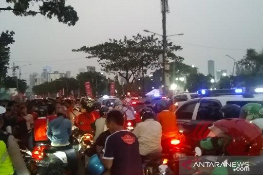 Suporter mulai tinggalkan GBK sebabkan lalu lintas padat merayap