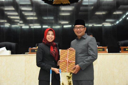 Nyaman, pengalaman Ketua DPRD Jabar terbang dari Bandara Kertajati