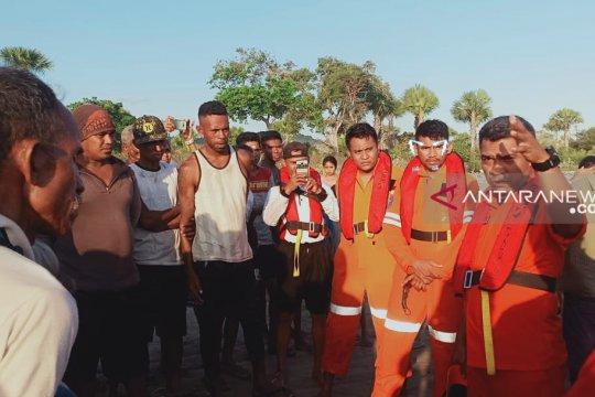 Dua korban kapal tengelam di Kupang belum ditemukan
