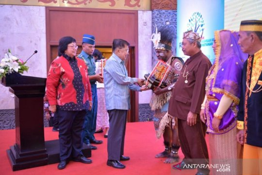 Wapres JK serahkan Penghargaan Kalpataru 2019