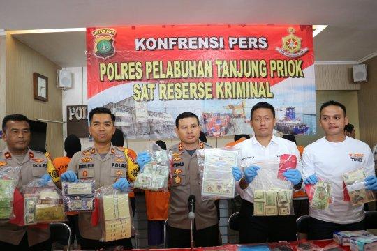 Polres Pelabuhan Tanjung Priok gagalkan peredaran miliaran valas palsu