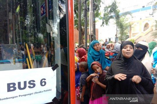 Ratusan pencari suaka dipindahkan ke Eks Kodim Jakarta Barat