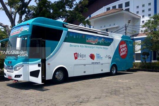 """KPK """"roadshow"""" bus antikorupsi di Surabaya"""