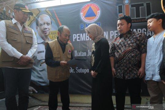 Penghargaan Pengabdian Tanpa Batas bagi almarhum Sutopo