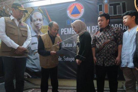 Penghargaan kepada Sutopo Purwo Nugroho Page 2 Small