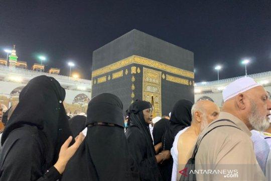 Hukum bagi jamaah perempuan untuk Shalat Jumat di Masjidil Haram