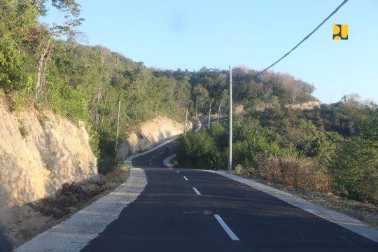 Pemerintah bangun jalan Lintas Utara Flores dukung Labuan Bajo