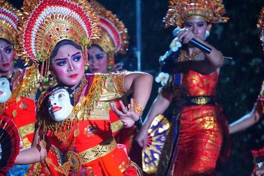 Gamelan iringi lagu Yunani pada Malam Budaya Indonesia di Athena