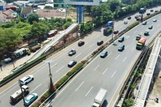 Jasa Marga berlakukan lawan arah di Tol Sedyatmo terkait perbaikan JPO