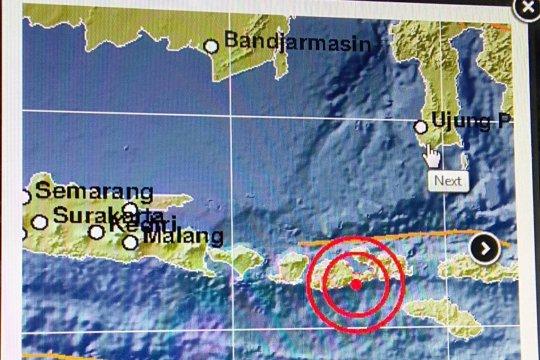 Tidak berpotensi tsunami, gempa 5,5 SR guncang Sumbawa