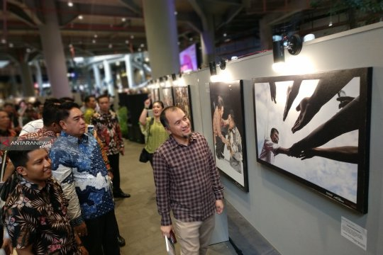 77 karya foto soal Wapres Jusuf Kalla dipamerkan