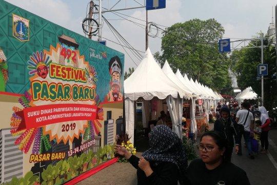Masyarakat antusias kunjungi Festival Pasar Baru
