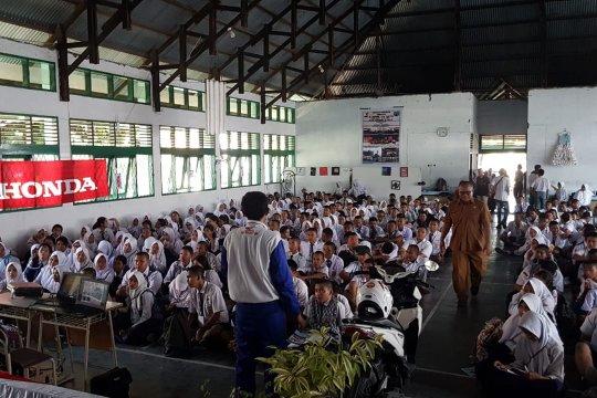 Keterbatasan dana, masih banyak siswa di Palu belajar di tenda