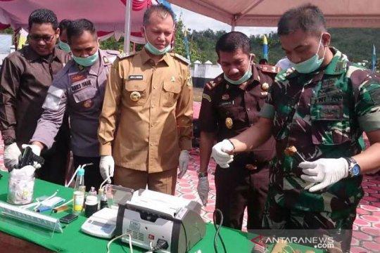 Kejari Gunung Mas musnahkan dua senjata api ilegal